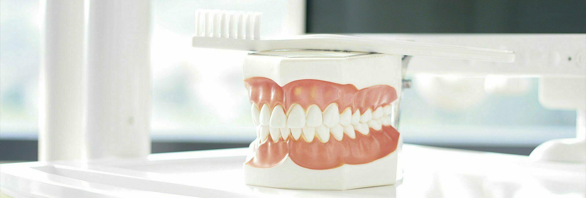 Zahnärzte Infomaterial Zahnersatz