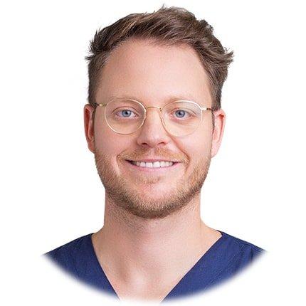 Benjamin Hager Zahnarzt für Implantation in Deutschland
